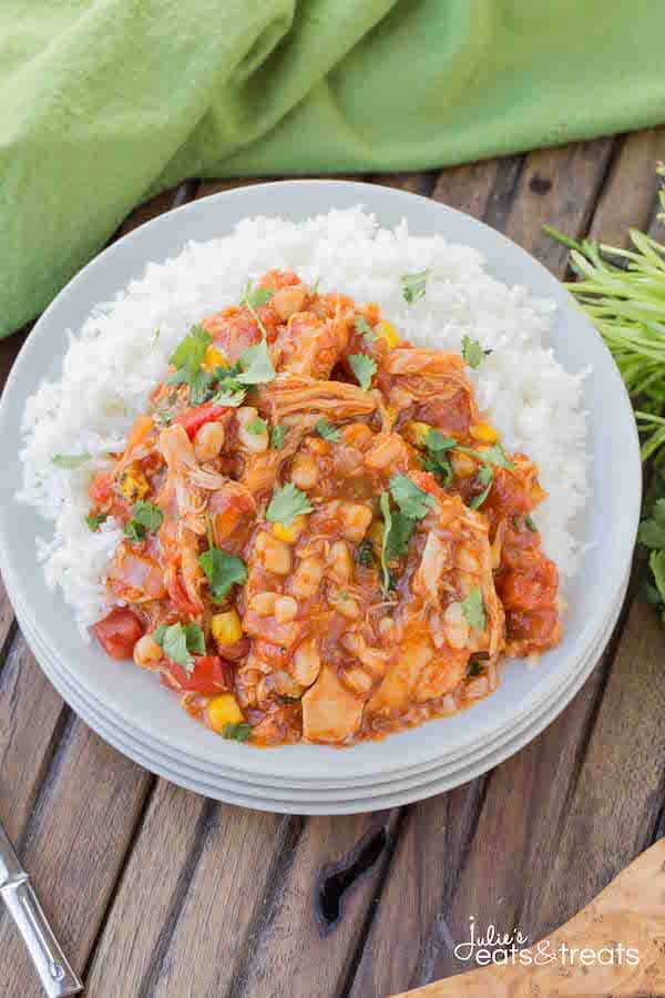 Crock Pot Spanish Chicken ~ Delicious chicken loaded with flavorful spices and veggies. This slow cooker meal is perfect for those busy nights!
