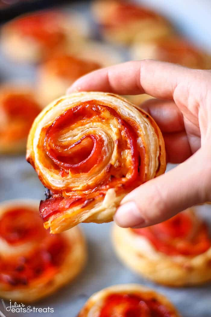 Puff Pastry Pinwheels - A close-up picture of Bacon Puff Pastry Appetizers ~ Easy and fast puff pastry appetizer with bacon and cheese!