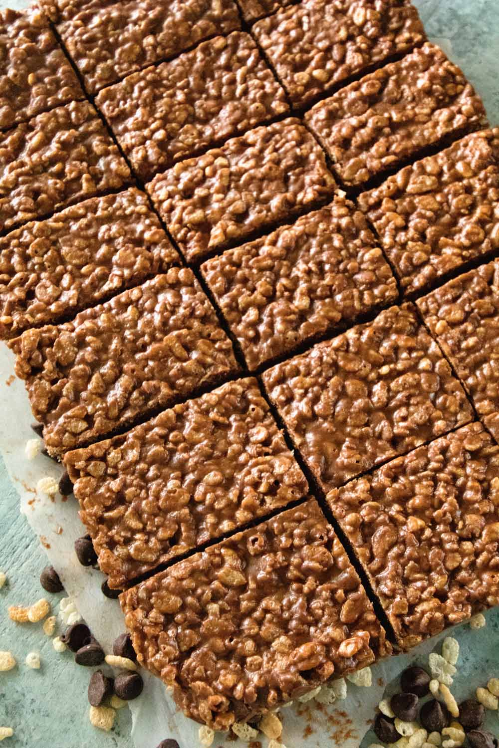 Dig into this Chocolate Peanut Butter Rice Krispies Bar Recipe!