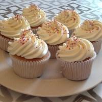 Amazing Vanilla Sponge Cupcakes