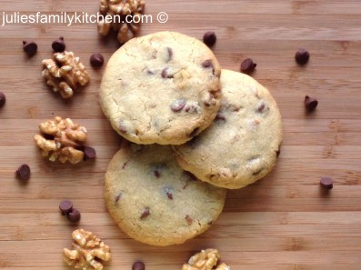Milk Chocolate and Walnut Biscuits 22012014