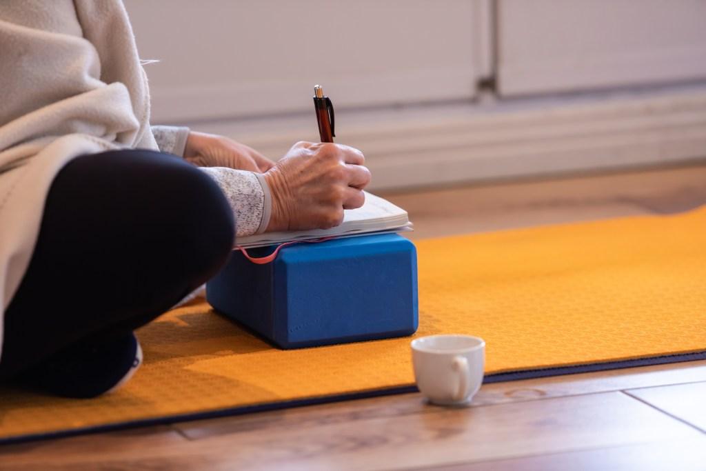 Atelier Yoga Lyon 69 et à distance avec Juliette Marchal - Workshops Yoga thématiques en Lyon Rhone Alpes