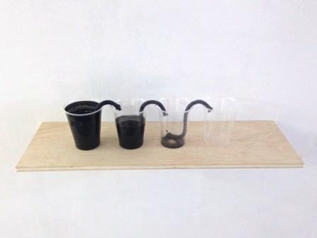 capilaridad #4 madera, vasos de plástico, mecha y tinta medidas variables 2014