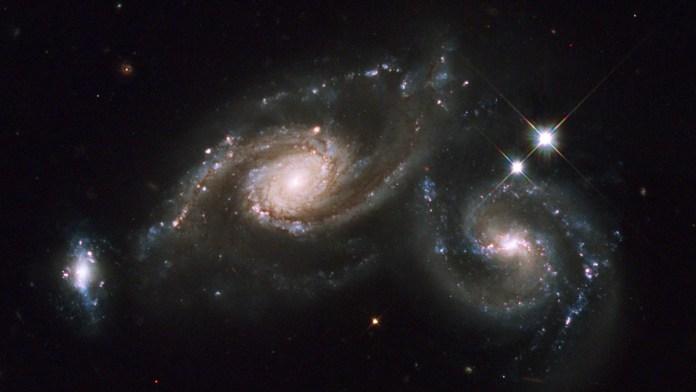 Grandes metonimias y pequeños universos