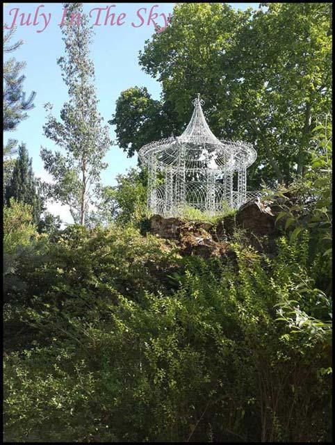July In The Sky : blog beauté voyage paris métropole été jardins bagatelle boulogne
