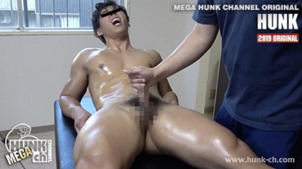 HUNK CHANNEL – OAV702 – 20歳のマッスルラグビー部員、隆治がM気全開で男に初責めされる!!!