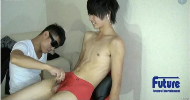 [Future Boy] TC1002893 – 18才童貞ジャニ系キュートボーイが初の男チンコ弄りに緊張しまくり!オナホ激射!
