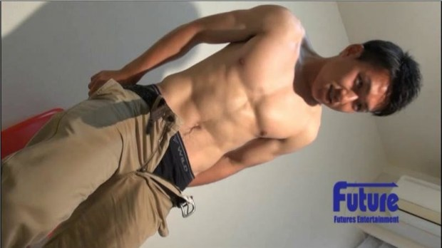 [Future Boy] TC1004888 STAFF推薦作品!バキバキのパーフェクト筋肉美!現役◯◯部員!男らしいイケメン学生が1週間ぶりにイク!