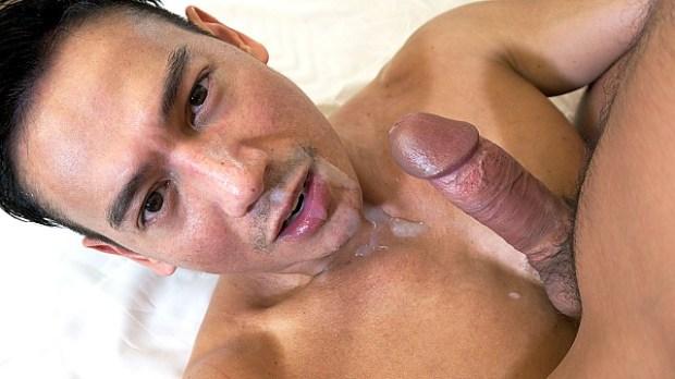 PeterFever – Getting Drenched – Hiroshi & Ryuji
