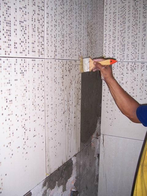 Cara memasang keramik dinding  JumpinJack