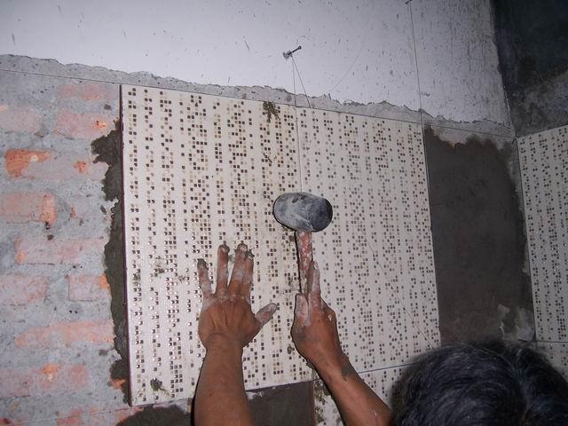 Teknik dan Cara Pasang Keramik Dinding Yang Benar