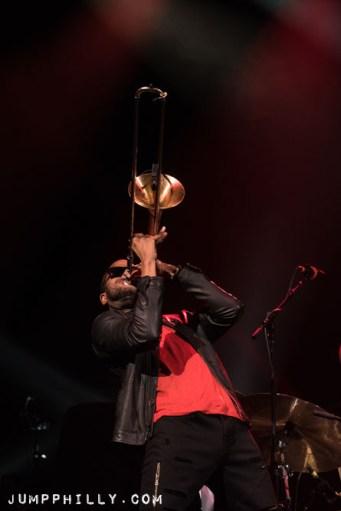 170212_tromboneshorty_bspause-4