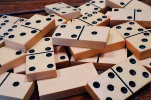 addiction-deck-dominoes-gambling-278912