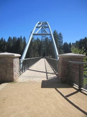 Approaching Wagon Creek Bridge