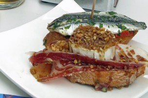 Jamon, goat cheese with walnuts and anchovie