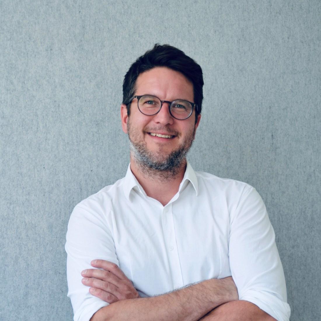 Prof. Dr. Dominik van Aaken