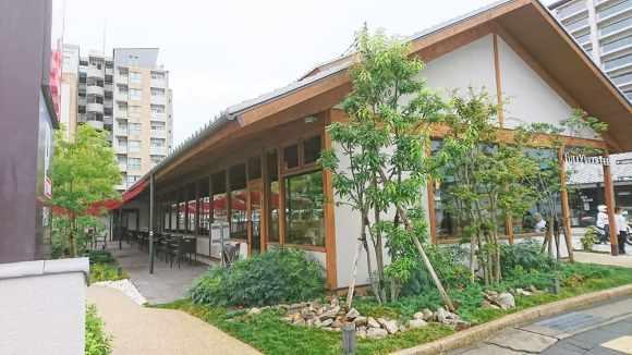 タリーズコーヒー伊丹店の外観