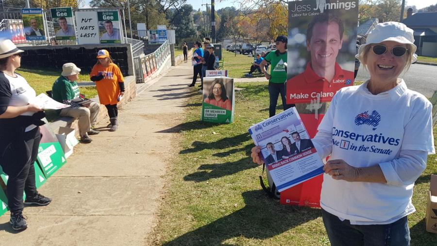 Outside+an+electoral+booth+in+Bathurst%2C+in+the+Calare+electorate.+