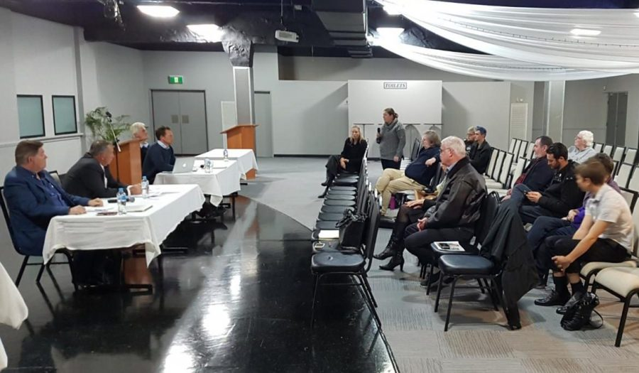 Candidates at a Calare election briefing night in Bathurst, but without the Christian Democratic Party candidate, among others.