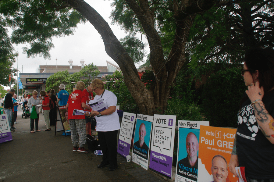 Election campaign in Springwood NSW