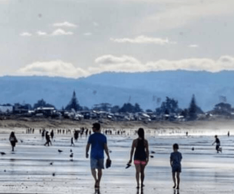 At Papamoa beach, near Tauranga, witnesses said large crowds were photographed with apparent disregard for the lockdown rules.