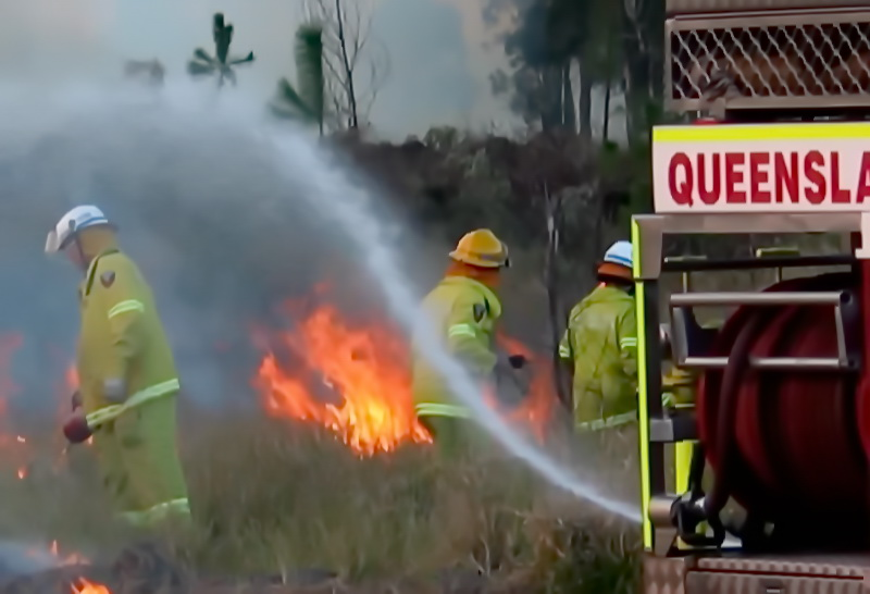 FIrefighters in Queensland. Photo: Flickr user bertknot (CC BY-SA 2.0)