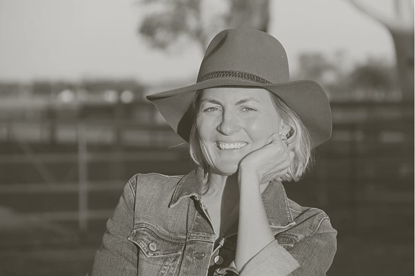 Shanna Whan is the founder of 'Sober In The Country'.
