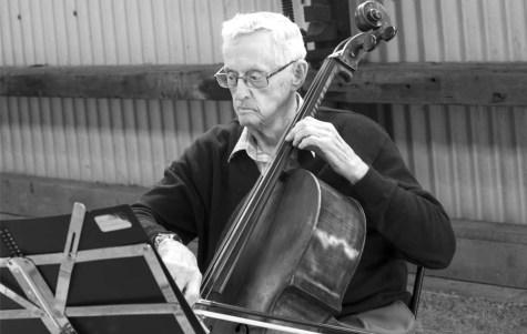 Haydn Skinner, 91, regularly performs at Carriageworks market. Photo:Instagram@haydnnothidin (Lea Jobson)