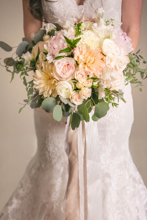 Blush and Gold Wedding at Jonathan Edwards Winery