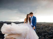 Rugged Hawaiian Wedding Photos on the Big Island | Junebug ...