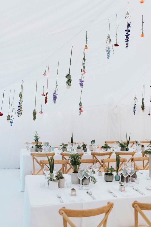 Minimalist Botanical Wedding in a London Backyard ...
