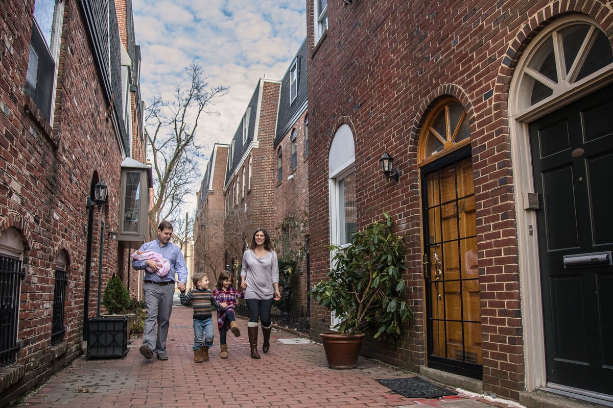 Family walking in Old City Philadelphia.