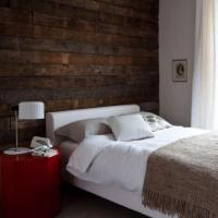WOOD IN THE BEDROOM (TIMBER, TIMBER IN THE BEDROOM)  June ...