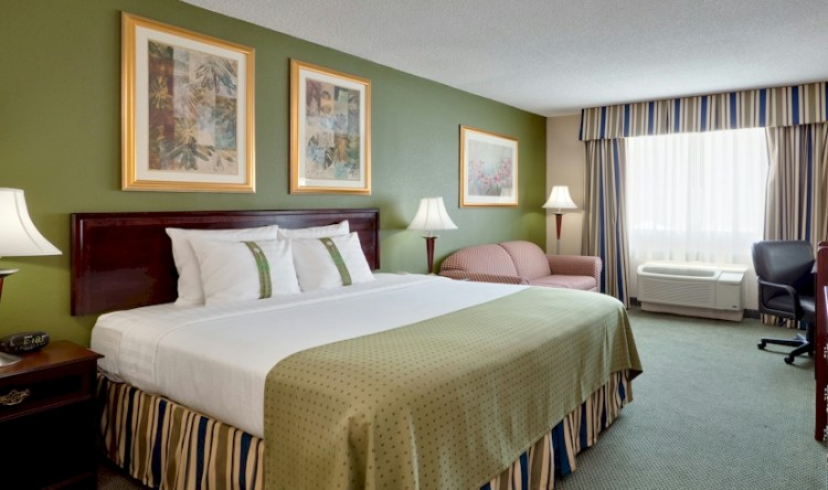 Philly-Area Romantic Package for $158 | June's Journal
