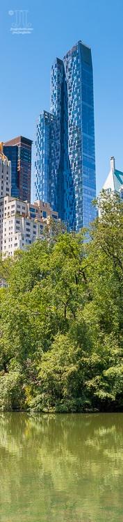 http://junghahn24.com/wir-sind-in-new-york/ Aus dem Central Park aus habe ich dieses Panorama im Hochformat aufgenommen.