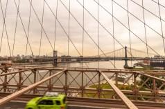 Auf der Manhattan Bridge fährt die U-Bahn aus Manhattan nach Coney Island. http://junghahn24.com/mit-der-u-bahn-raus-zu-fuss-wieder-rein-brooklyn-bridge/