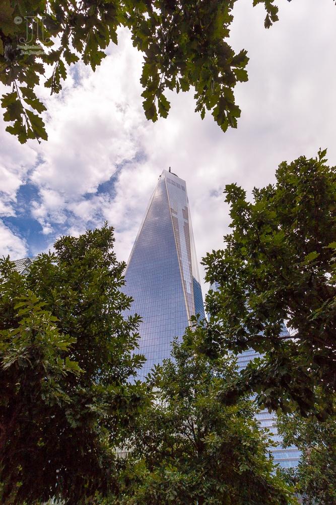 Der imposante Bau steht neben dem 9-11-Memorial.