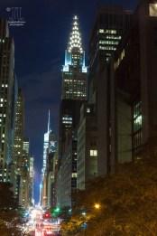 Nachts leuchtet New York City taghell. http://junghahn24.com/mit-der-u-bahn-raus-zu-fuss-wieder-rein-brooklyn-bridge/
