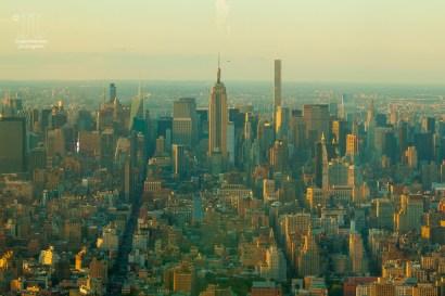 Deutlich zu erkenne ist das Empire State Building. Man erkennt auch deutlich den Verlauf des Broadway.