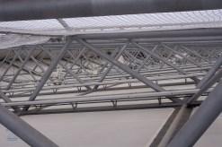 In diesem Gewirr befinden sich Anlagen zur Beschallung, WLAN Antennen, Kabel für Beleuchtung und vieles mehr.