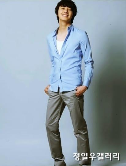 2009 8 11 JIW Another Blue Shirt 25