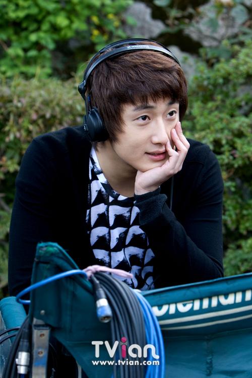2009 JIW High Kick BTS 2 29
