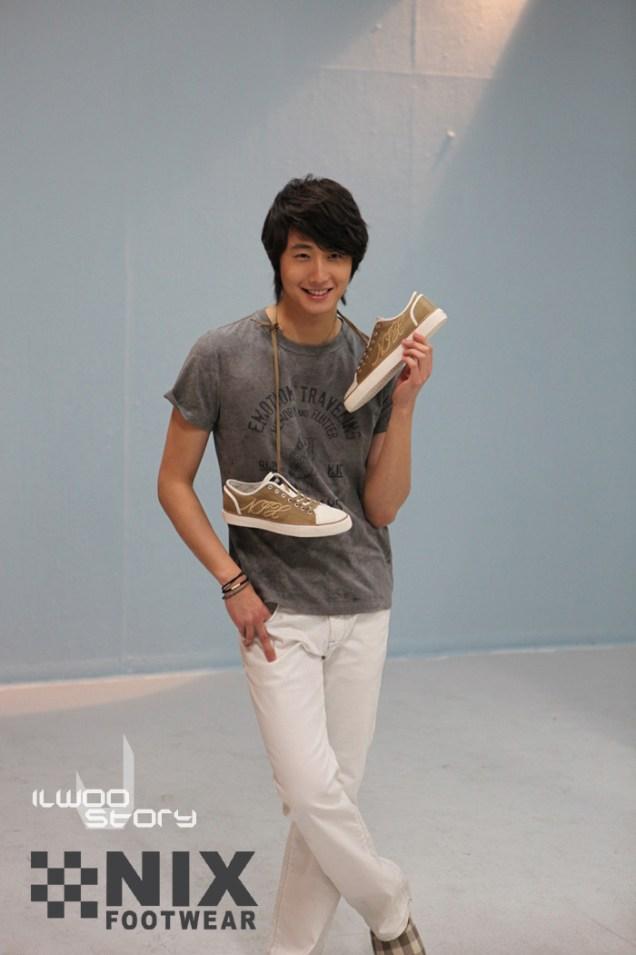 2009 JIW NIX Shoes:Jeans 12