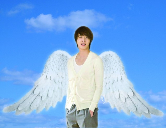 Jung II-woo as angel 1 F