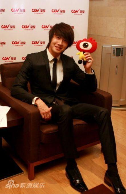 2011 27 Sina Interview 1