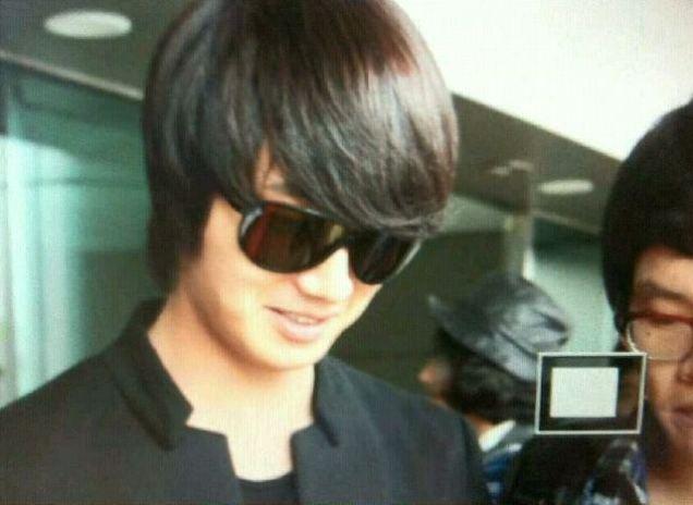 2011 8 JIW Back to Korea (airport arrival) 2