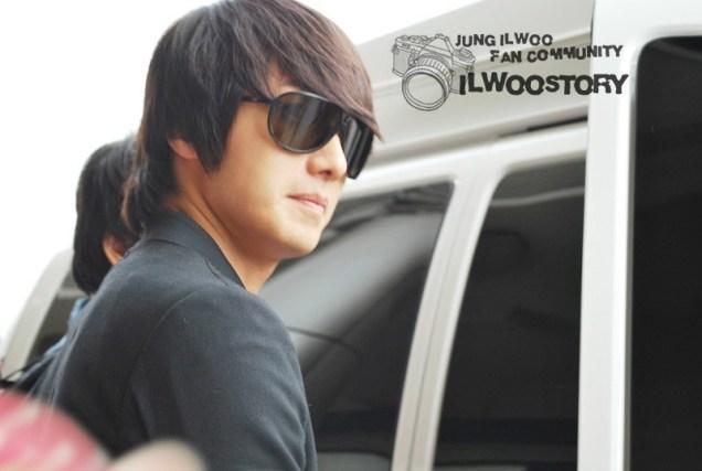 2011 8 JIW Back to Korea (airport arrival) 5