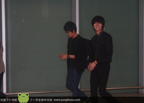 2011 8 Travel to China Airport1.5