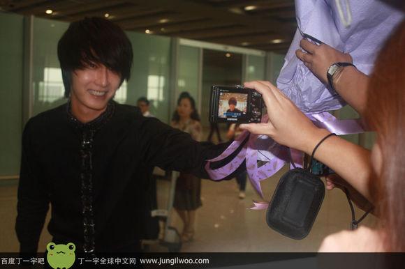 2011 8 Travel to China Airport2