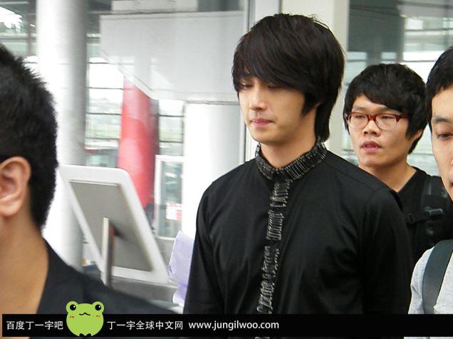 2011 8 Travel to China Airport8.5